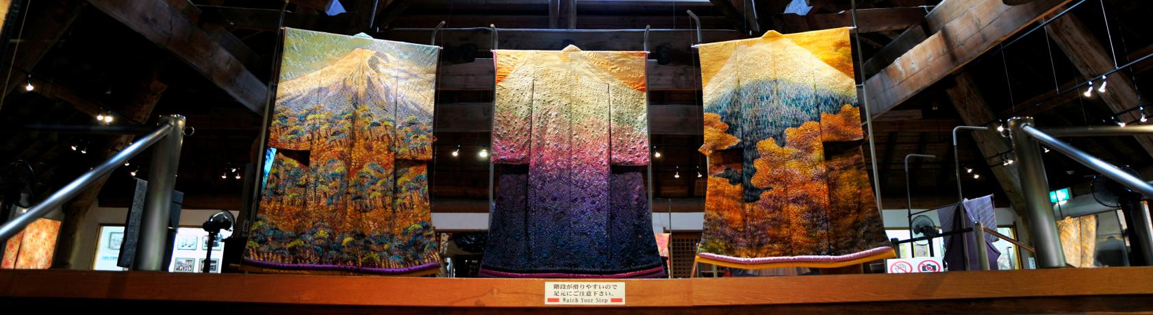 'Kimono' exhibit draws visitors from around US