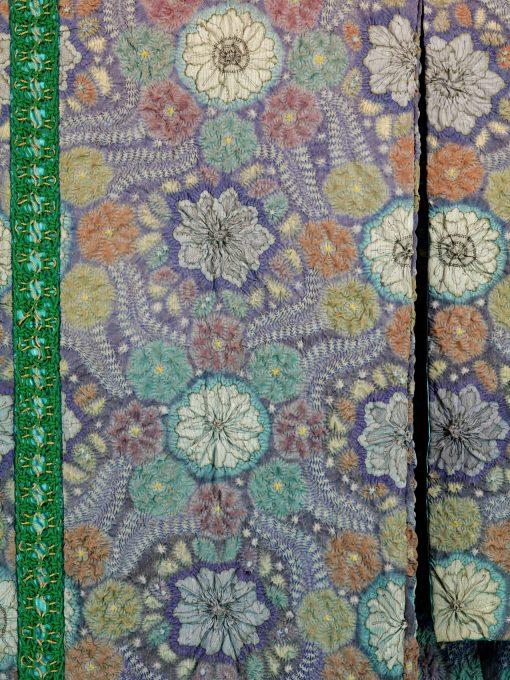Tsujishikamon/Exotic Florals: Chrysanthemum and Wisteria